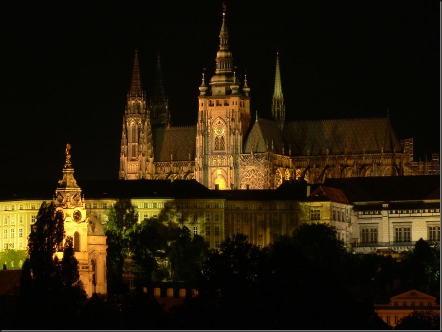 Saint_Vitus_Cathedral,Prague,night