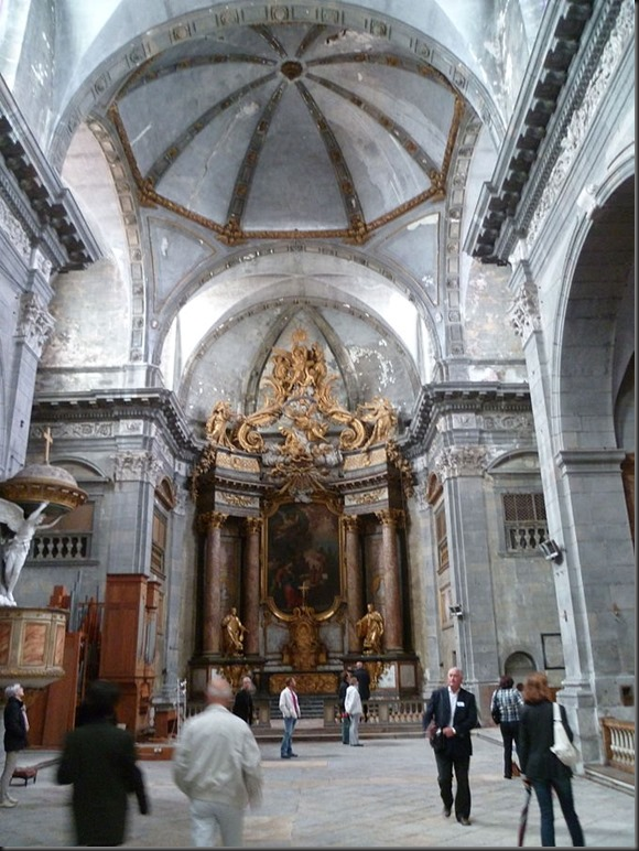 Église_saint_François-Xavier_de_Besançon_(nef)
